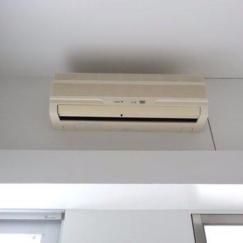 エアコンは古め…※写真4階の反転間取り別部屋のものです