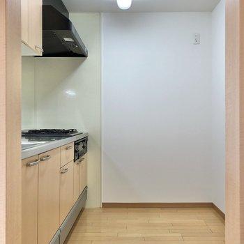 【LDK】キッチンの内側もゆったりスペース。