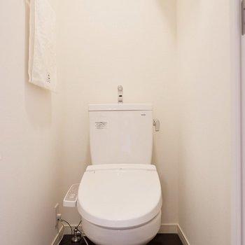 トイレは独立しています。