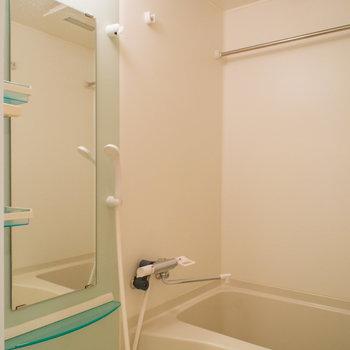 嬉しい浴室乾燥機♪(※写真は12階の同間取り別部屋のものです)