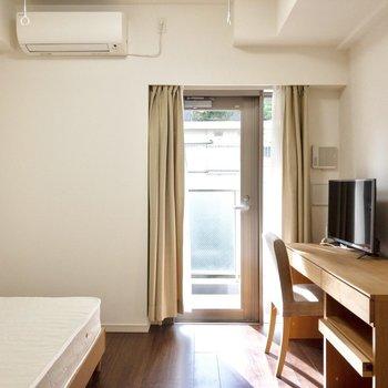 日当たり、風通し良好です。※写真は2階の同間取り別部屋のものです