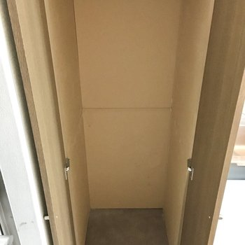 収納はとってもコンパクト(※写真は3階の同間取り別部屋のものです)