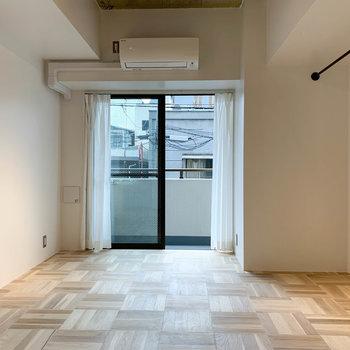 居室の広さは約8帖ほど。