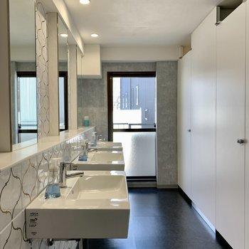 【3F Toilet】トイレもすっきりしてきれいです。