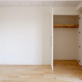 【1階洋室①】収納も用意されています。