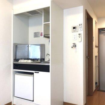 キッチンの右隣は洗濯機置き場になっています。