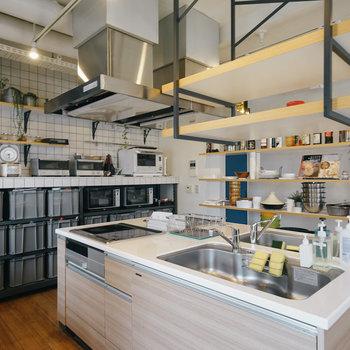 【6Fラウンジ】キッチンは2つ!※写真は前回募集時のものです