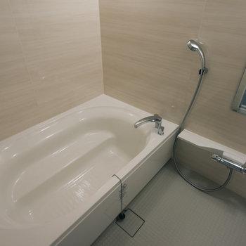 共用のお風呂、広い!