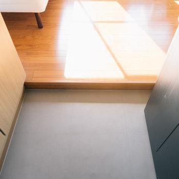 玄関もゆったりしてます。※写真は1階の同間取り別部屋のものです
