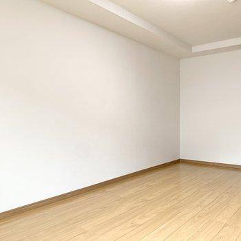 ベッドを置くならこの場所かな。※写真は3階の同間取り別部屋のものです