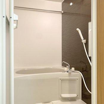 浴室は乾燥機付き。※写真は3階の同間取り別部屋のものです