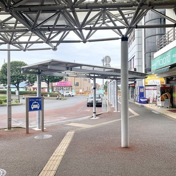 最寄りはJR〈新検見川〉駅。