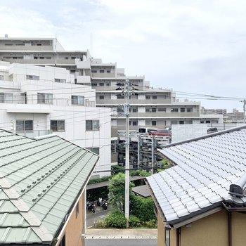 眺望は正面がマンションなど。