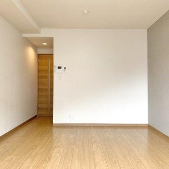 窓側を背にするとこんな感じ。自由度の高いお部屋です。