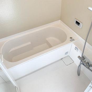 湯船もゆったりのお風呂※写真は前回募集時のものです