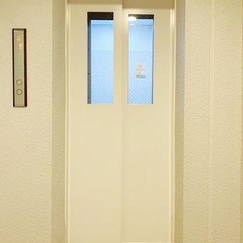 お部屋まではエレベーターでどうぞ!