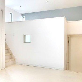 階段があってわくわくするお部屋(※写真は清掃前のものです)