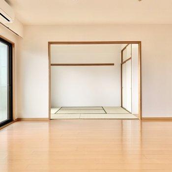 【LDK】和室と繋がっていますよ。