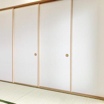 【和室】引き戸で閉めることも可能。