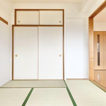 【和室】押入れ横の小さなスペースに、生花や盆栽を飾りたくなりますね〜