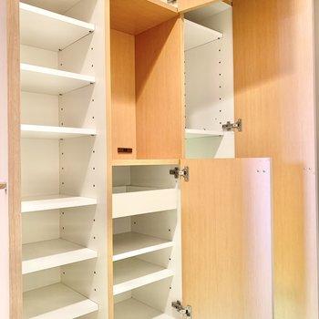 シューズボックスも大容量。鍵置き場のスペースもあります。