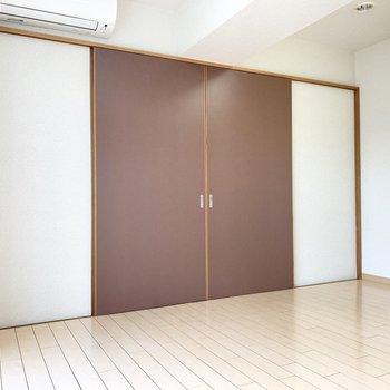 【BR】あずき色の扉を閉めるとこんな感じです。