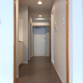 廊下へ進みましょう。