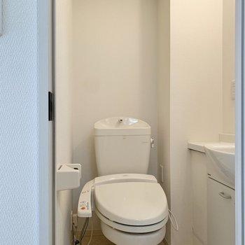 トイレはその隣です。