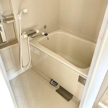 サーモ水栓で使いやすいです◎
