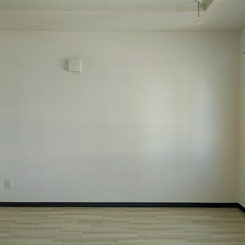 【洋室】こちらのお部屋はプライベートルーム。