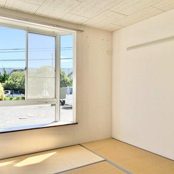 【和室約6帖】壁には長押しが付いていますよ。