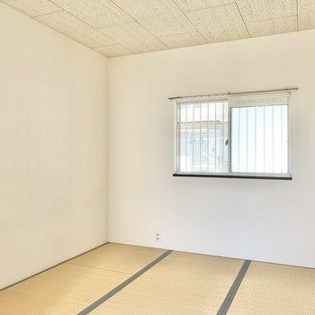【和室約4.5帖】シンプルな内装ですね。