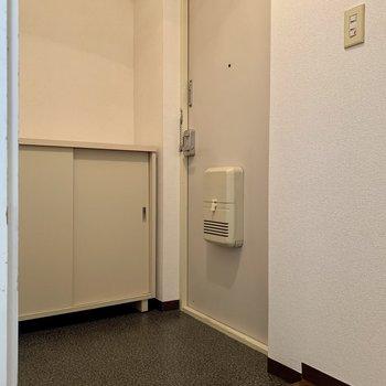 段差が少なめの玄関は躓きにくくて安心。