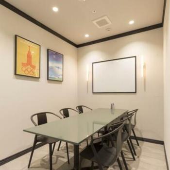 商談や打合せに適したハイセンスな会議室※有料