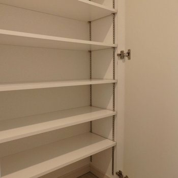 靴はたくさん収納可能。(※写真は4階同間取り別部屋のものです)