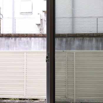 シャッター付きの窓です。