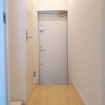 廊下へ進んでみましょう。