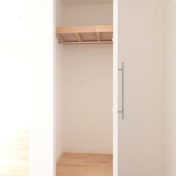 手前寝室)扉付きクローゼットに変更 ※画像はイメージです