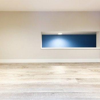ちらっとブルーが見えるんですっ※写真は3階の同間取り別部屋のものです