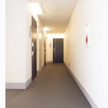 3階廊下突き当たりのお部屋です。