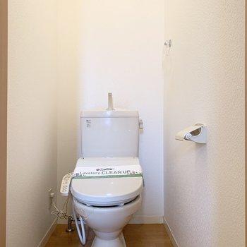 おトイレがあります。ウォシュレット付いてますよ◎