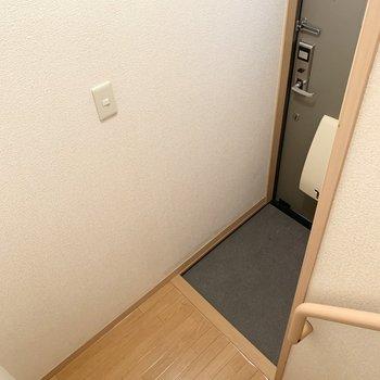 1階は玄関だけのスペースです。