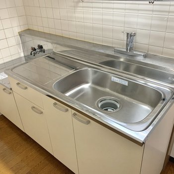 【LDK】シンクが広いので洗い物も楽々。