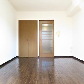 広さは十分に。どんな家具を置きましょう(※写真は1階同間取り別部屋のものです)