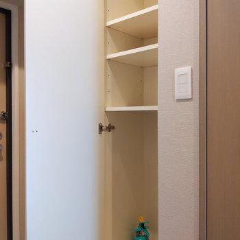 廊下にもコンパクトな収納がありました。※写真は前回募集時のもの