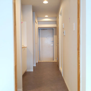 廊下へ進みましょう。※写真は前回募集時のもの