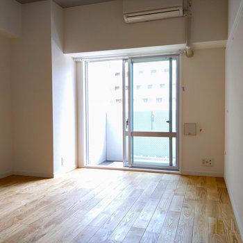 窓から差し込む陽の光が気持ち良いですね。※写真は前回募集時のもの