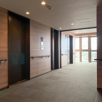 エレベーターは3台あるので混雑しなさそう。
