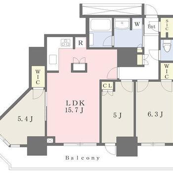 部屋数の多い間取りです。各設備が充実。