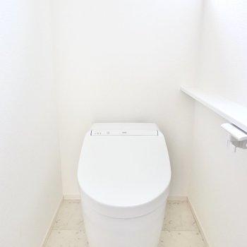 ミニマルデザインでオシャレなタンクレストイレ◎